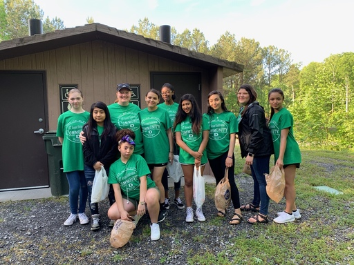 DMS Students Spend a Day Giving Back