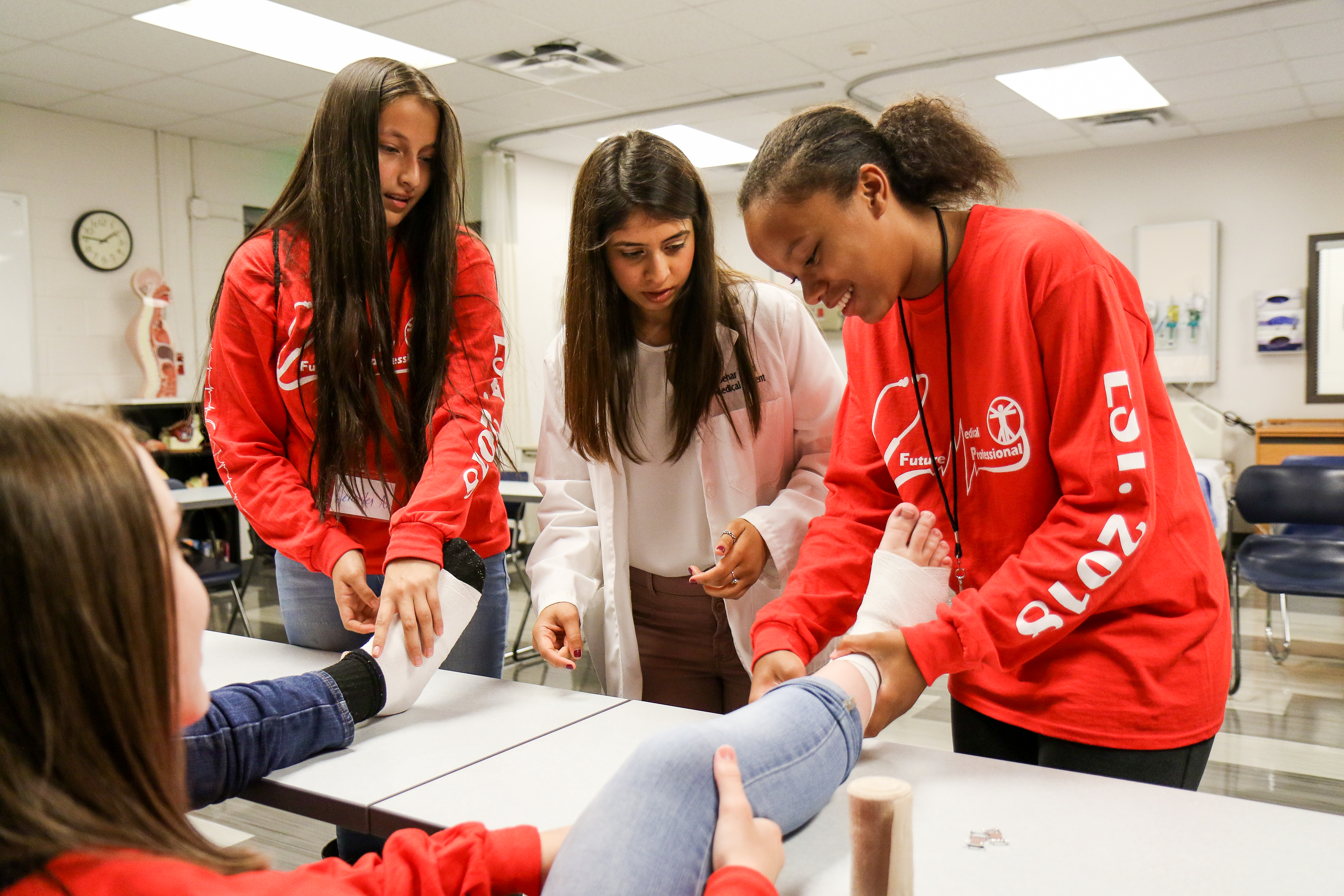 Students work on Ankle Wrapping in DSC Simulation Lab