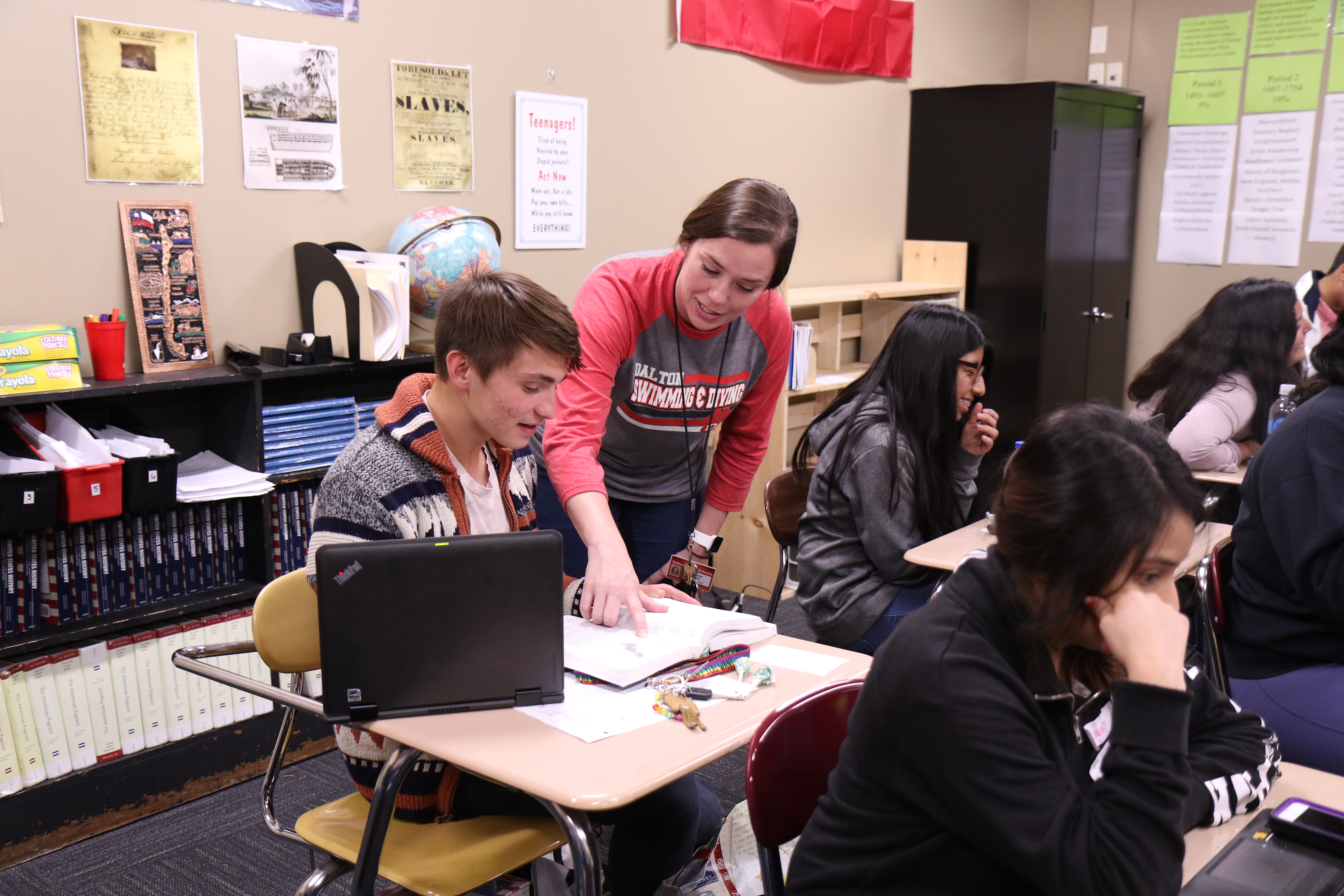 Jennifer Myers Helps Student in AP class