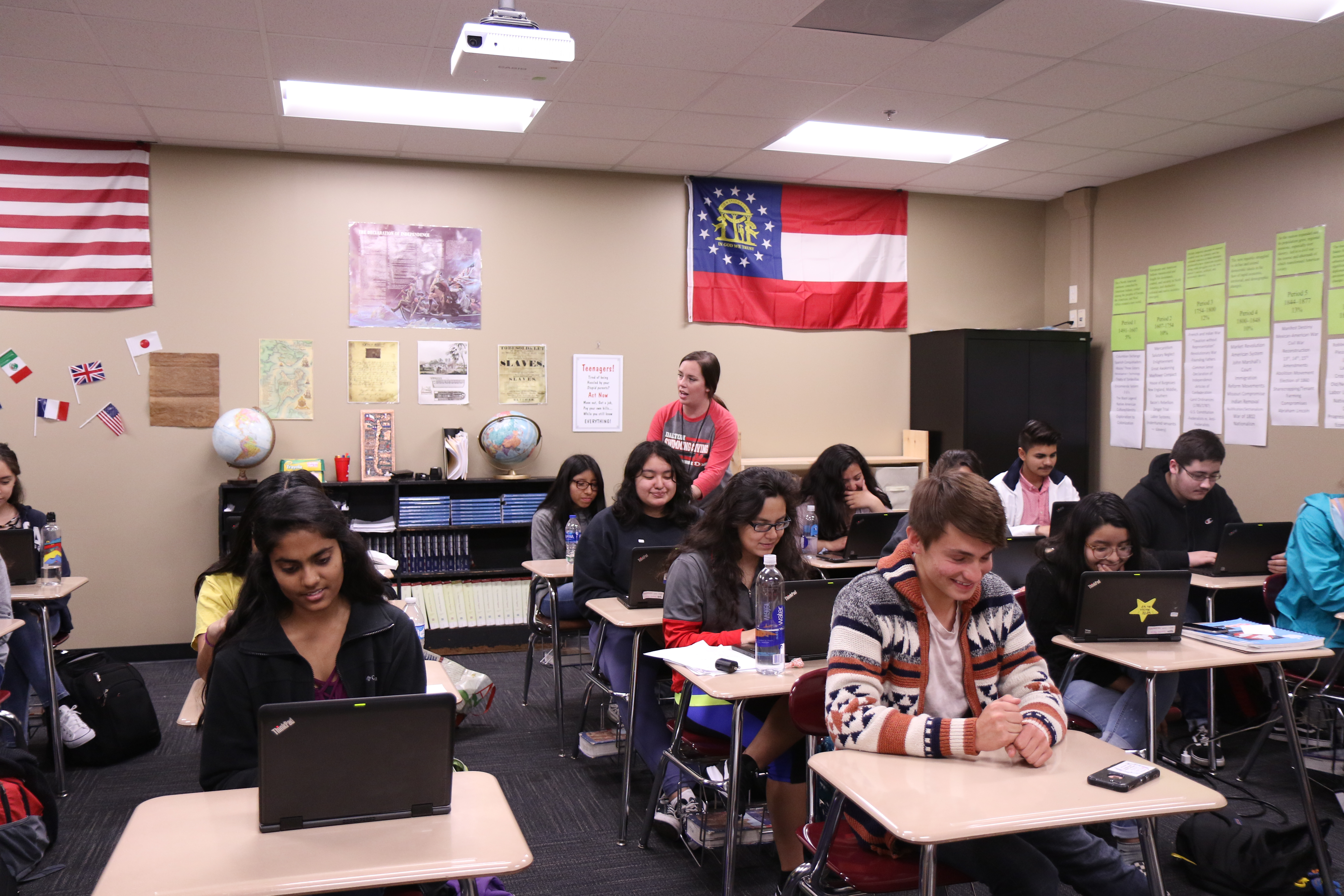 Jennifer Myers works with her APUSH Class